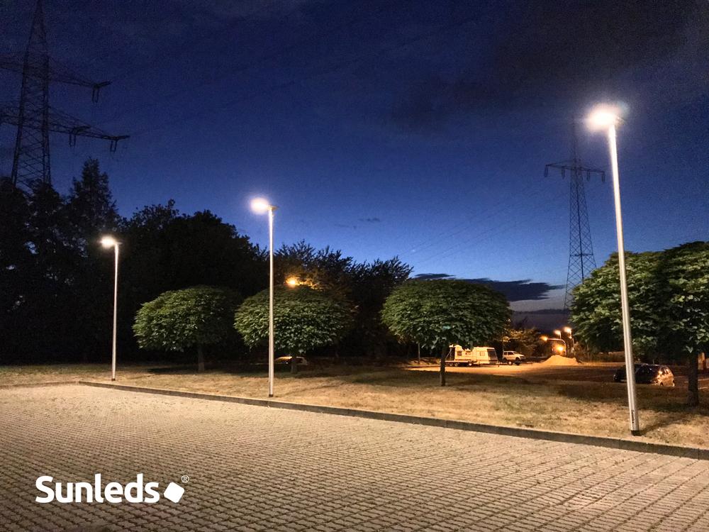 LED-Mastleuchten-auf-Lichtmast